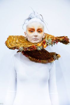 WOW!  Amazing floral collar by  Anna Popova