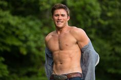http://www.philstar.com/movies/news/2015/04/08/1441650/photos-clint-eastwoods-son-scott-sizzles-new-movie