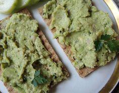 Avocado-Hanfsamen-Brotaufstrich mit Kümmel, viel gesundes Omega-6, glutenfrei, fructosefrei, vegan, Rohkost