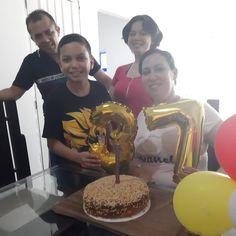 Este trío es el que más feliz me hace en todo el mundo. Birthday Cake, Photo And Video, Videos, Desserts, Instagram, Food, Happy, World, Palmyra