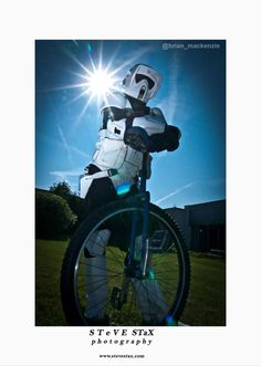 Photography Recommendation : 100% of stormtroopers who unicycle in #LdnOnt say @SteveStax is a kickass photographer http://twitpic.com/apfsgn