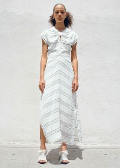 See the complete Proenza Schouler Resort 2017 collection.