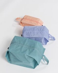 BAGGU : 3D ZIP SET these, simply put, are the perfect travel companions. i use them myself and, much like the joke that asks how many clowns can fit into a VW Bug, you'll ask your