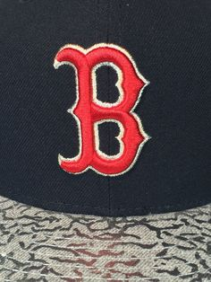 3962a43d959 Boston Red Sox New Era 9Fifty RARE! Silver Edition Snapback MLB New MSRP   32