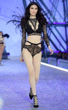 Siu He: 2016 Victoria's Secret Fashion Show