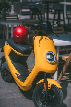 Niu Electric Scooter 2016 Size: x x Material: ABS, PP, Aluminium, Steel Role: Design Director / Designer / Project is the second electric smart scooter from Niu. With a continuation of the design DNA from… Electric Moped Scooter, Scooter Motorcycle, Motorcycle Design, Electric Bicycle, Scooter Scooter, Electric Car, Scooter Design, Bicycle Design, E Bicycle