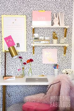 A Fun (and Sassy!) Small Office Makeover – HomeGoods – Home Office Wallpaper Home Office Design, Home Office Decor, Unique Home Decor, Office Ideas, Cool Office Space, Small Office, Desk Office, Workspace Desk, Home Renovation