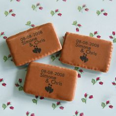 Bedrukte koekjes cafenoir als huwelijksbedankje. Bestel de koekjes met je eigen tekst als huwelijksbedankje!   http://www.bedankjes.nu/huwelijksbedankjes/bedankjes-bedrukt-snoepgoed/koffiekoekjes