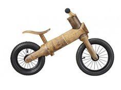 Un vélo écolo tout en bambou pour les enfants