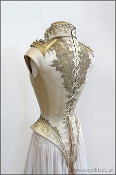 Sideras Hochzeitskleid von hinten