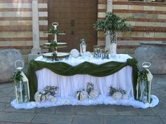Baptism Decorations, Outside Decorations, Wedding Reception Decorations, Table Decorations, Wedding Stage, Our Wedding, Tropical Wedding Centerpieces, Gold Wedding Colors, Sweetheart Table