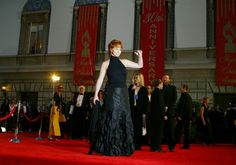 Reba McEntire has been named the Favorite Female Artist of the Year in Country Music at the American Music Awards more than any other lady! Reba Mcentire, Female Artist, American Music Awards, Country Music, Take That, Memories, Lady, Women, Country