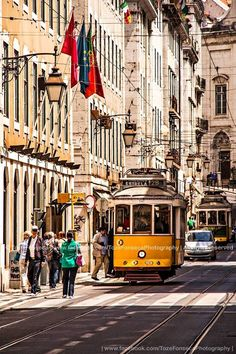 Baixa de Lisboa, Portugal - Tozé Fonseca Photography Tramway, Find Hotels, Beautiful Places To Visit, Tourism, Around The Worlds, City Scapes, Street View, Watercolour Painting, Pictures