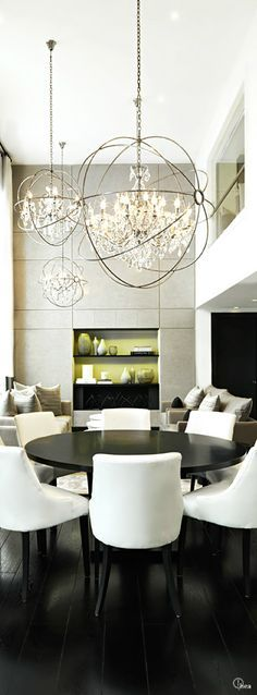 45 Best Modern Chandelier Dining Room Ideas for 2019 1 Modern Dining Room Lighting, Luxury Dining Room, Luxury Rooms, Dining Room Sets, Dining Room Design, Modern Room, Modern Chandelier, Foyer Lighting, Dining Tables