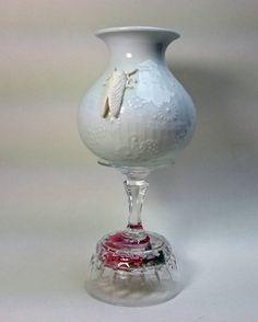 Vase Upcycled Art Porzellan Schabe Grille Insekt von SuseundMuse