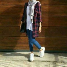 plaid-flannel-hijab-outfit- Smart and cute hijab outfits http://www.justtrendygirls.com/smart-and-cute-hijab-outfits/