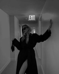 Black And White Picture Wall, Black And White Pictures, Black N White, Black And White Instagram, Classy Aesthetic, Bad Girl Aesthetic, Kpop Aesthetic, Foto Glamour, Mode Poster
