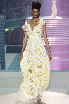 Vivienne Westwood Spring 2014 Ready-to-Wear Fashion Show: Complete Collection - Style.com