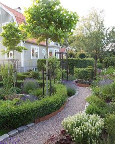 You are in the right place about Garden Types backyards Here we offer you the most beautiful picture Garden Types, Garden Paths, Landscape Design, Garden Design, Garden Cottage, Scandi Garden, Garden Bar, Herb Garden, Garden Ideas