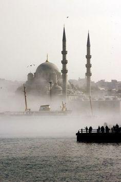 Istanbul, minaret