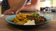 Vlaams stoofvlees met frieten - 24Kitchen Slow Cooker Recipes, Love Food, Crockpot, Foodies, Yummy Food, Favorite Recipes, Beef, Ethnic Recipes, Slow Cooking