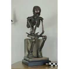 Stores online bronze extra large skull skeletons, made in antique bronze, ideal gifts for the man who has everything from a stylish brand Smithers of Stamford Skull And Bones, Skeleton, Bronze, Statue, Party Accessories, Ornaments, Antiques, Skulls, Halloween Party