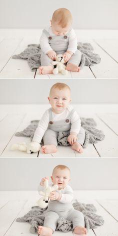 Aconchegantes retratos de bebês em Curitiba, acompanhamento em estúdio, Laura Schafer Retratos