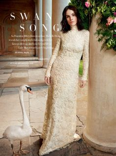 Downton Abbey' star Michelle Dockery graces the October 2015 cover of Harper's Bazaar UK, wearing a white lace dress from Ralph Lauren. Michelle Dockery, Fashion Editor, Editorial Fashion, Fashion News, Fashion Beauty, Downton Abbey, Lady Mary, Mary Crawley, Valentino Gowns