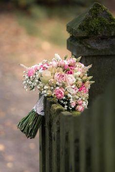 Wedding Flowers Vintage Brautstrauß Blumen Hochzeit rose white pink Rosa weiß Schleierkraut bridal flowers