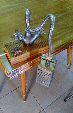 Candeeiro com torneira e ralador... :-)