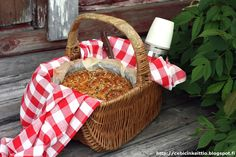 Cebicin keittiössä Wicker Baskets, Picnic, Home Decor, Homemade Home Decor, Picnics, Decoration Home, Woven Baskets, Interior Decorating