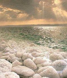 The Dead Sea, bordering Jordan and Israel. #WorldBeautifulPlaces #DeadSea