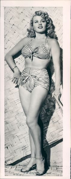 littlebunnysunshine: You can find some pics of Marilyn Monroe in this same bathing suit, she and Shelly Winters were roommates and had so little money that they bought one dress or pair of shoes or bathing suit and shared it! Old Hollywood Movies, Hollywood Icons, Golden Age Of Hollywood, Vintage Hollywood, Hollywood Glamour, Hollywood Stars, Hollywood Actresses, Classic Hollywood, Actors & Actresses