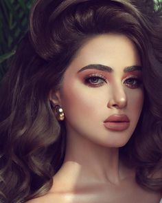 HD wallpaper of Beautiful Girls Wedding Makeup Looks, Bridal Hair And Makeup, Natural Bridal Makeup, Glam Makeup, Party Makeup, Casual Makeup, Hd Make Up, Pakistani Makeup, Arabian Beauty
