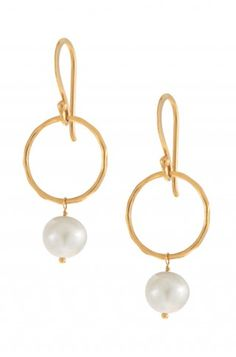 Stella & Dot Grace Pearl Earrings