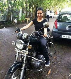 Author(s): Dharam PalShraddha Kapoor. There is no doubt that the soundtrack of 'Ek Villain' is among the year's most eagerly awaited. After all Mohit Suri's previous films 'Zeher', 'Woh Lamhe', 'Awarapan', and