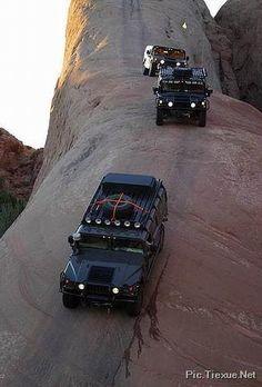 Mountain climb? guess not. We're going down. YO VI UN VIDEO DONDE UN AUTO NO LE FUE BIEN BAJANDO ESO