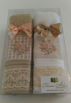 Kit de lavabo de Natal Kitchen Towels Crafts, Towel Crafts, Bathroom Towels, Wedding Doorgift, Sewing Projects, Projects To Try, Scented Sachets, Little Blessings, Wedding Gifts For Guests