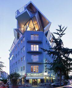 Grand Hotel Accomodations| Serafini Amelia| Hotel Chelsea Cologne