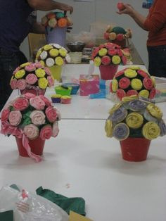 Now this is a great idea  Flower pot cup cakes
