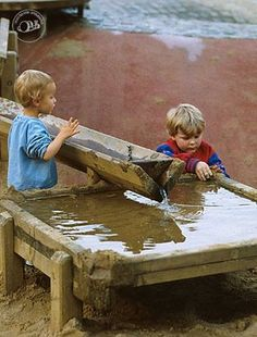Our Day Our Journey: Earthplay - outdoor play space, I love this water feature because it's made to work with sand.