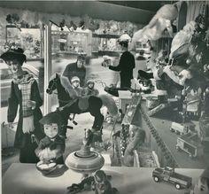 Christmas window at downtown Famous-Barr. Photographic print by Reynold Ferguson, 1964. Missouri History Museum. ©St. Louis Post-Dispatch.
