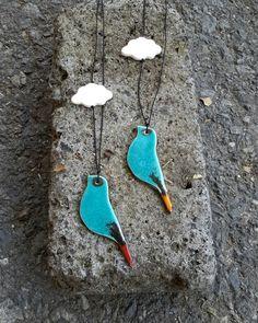 Kombin kolyeler  bak-kal da sizleri bekliyor☺bize #bakkaltasarim@gmail.com dan ulaşabilirsiniz. ✔Ptt kargo ile kapıda odeme✔Havale design#porcelain#tasarim#bakkaltasarım#instalike#instamood#unique#style#amazing#cloud#heybeliada#instagram#handmade#art#elyapimı#ucertma#kite#necklace#kolye#house#bird#kus#cute#model#taki#instadaily#instagr#bulut#cloud