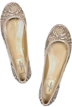 the cinderella project: because every girl deserves a happily ever after: Tuesday Shoesday: Lovely Lace