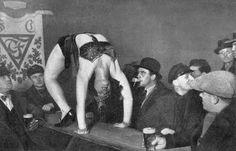 Berlin 1920s cabaret show