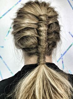 "Stylists Are Freaking Out Over This ""Pipe Braid"" Technique https://r29.co/2v3fjRu"