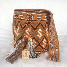 Wayuu tribe mochila bag (handmade) MMAPAKAT: medium Brown, green, white and black