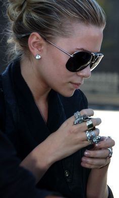 Love the stacked rings and glasses!
