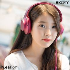 Computer Headphones, Girl With Headphones, Over Ear Headphones, Iu Short Hair, Long Hair, Kpop Hair, Kpop Fashion, Ladies Fashion, Kpop Aesthetic