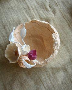 Porta confetti : Paper flower,by Alessandra Fabre www.alessandrafabre.com